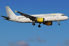 EC-KLB_04 (GH@BHD) Tags: ecklb airbus a320 a320200 a320214 vlg vy vuelingairlines vueling aircraft aviation airliner ace gcrr arrecifeairport arrecife lanzarote