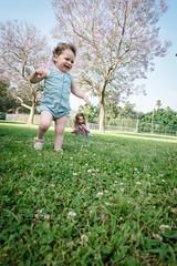 L1010995.jpg (Jorge A. Martinez Photography) Tags: family spring park photo shoot leica leicaq leicaq116 morning green grass blue sky daughters fair skin friends