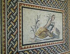 su perisi mozaiği / mosaic of nymph