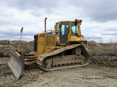 Hydro One 659-043 Caterpillar D5N Track-type Tractor (Gerald (Wayne) Prout) Tags: hydroone 659043 hydroone659043caterpillard5ntracktypetractor tractor caterpillar tracktype d5n camera city canada west digital cat canon photography highway machine powershot equipment machinery 101 dozer photographed bulldozer hs timmins northernontario prout utilitypoles hydropoles highvoltagelines sx60 canonpowershotsx60hs cityoftimmins geraldwayneprout highway101west northeasterontario northern northeastern bristoltownship bristol township