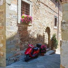 Anghiari (Geert Van Keymolen) Tags: 2018 anchiari europe italië italy s8 samsung toscane tuscany buitenshuis cityscape cityview color dag day galaxys8 kleur outdoor stadzicht summer zomer