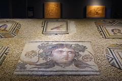 çingene kızı mozaiğinin parçaları / the fragments of gypsy girl mosaic