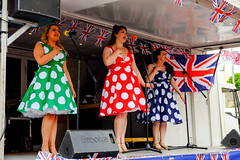 XPRO7086-1 Brighouse 1940's weekend June 1st 2019 (Lawrence Holmes.) Tags: fuji xpro1 xf1855mmf284rlmois streetphotography street brighouse brighouse1940sweekendjune1st2019 brighouse1940sweekend nostalgia ww2 fashion dancing calderdale westyorkshire uk lawrenceholmes