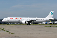 UR-WRV Windrose Airlines Airbus A321-231 at Kiev Boryspil International Airport on 28 May 2019 (Zone 49 Photography) Tags: aircraft airliner aeroplane may 2019 kiev kyiv ukraine boryspil international kbp ukbb 7w wrc windrose airlines aviation airbus a321 321 200 231 urwrv