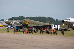 Paradroppers (eigjb) Tags: duxfordairfield aircraft airplane plane spotting aviation military aerodrome airport air base force ww2 dday landings 75th anniversary douglas dc3 c47 transport paratroops normandy daks over 2019 war warbird duxford