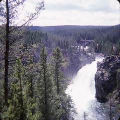 Upper Falls of Yellowstone River (Stabbur's Master) Tags: westernusa westernus west wyoming yellowstone yellowstonenationalpark yellowstoneriverupperfalls river yellowstoneriver nationalpark usnationalpark waterfall bridge yellowstoneriverbridge