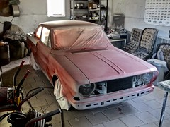 1967-1970 FORD 15M P6 Coupé Almost Ready (ClassicsOnTheStreet) Tags: ford taunus 15m p6 1500 fordtaunus fordp6 taunusp6 pkw 60s 1960s 70s 1970s classiccar classic oldtimer klassieker veteran oldie classico gespot spotted carspot nootdorp geerweg 2019 straatfoto streetphoto straatview strassenszene straatbeeld classicsonthestreet fordcollection fordverzameling