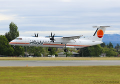 N421QX Horizon Air Bombardier Q400 (1)@YYJ 08Jun19 (Spotter Brandon) Tags: n421qx horizon horizonair alaska alaskaair bombardier q400 dh8d dehavillandcanada retrolivery yyj cyyj victoria