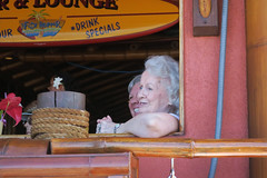 Mom and Betty enjoying the parade (BarryFackler) Tags: mom pennyspangler pennyfackler bettyfackler bettybowen betty kailuakona northkona kona westhawaii hawaii hawaiiisland hawaiicounty sandwichislands bigisland people hawaiianislands 2019 family polynesia thefishhopper restaurant kingkamehmehadayparade kingkamehamehaday holiday celebration event parade barryfackler barronfackler aliidrive