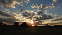 Brasília - Pôr-do-sol (sileneandrade10) Tags: sileneandrade brasília sunset pôrdosol céu nuvens nuvem sky nikoncoolpixp900 nikon landscape paisagem