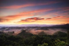 二寮-Sunrise (sic Chiu) Tags: taiwan 台灣 台南市 二寮 日出 晨曦 晨彩 火燒雲 雲彩 雲海 雲 cloud 6d ef1635mm sunrise tainan