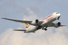 ET B788 ET-AOS @ ET644 (EddieWongF14) Tags: ethiopianairlines boeing boeing787 boeing7878 b787 b788 787 788 7878 dreamliner etaos