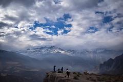 Mirador de cóndores (FiRMYYY) Tags: chile cerro hill mountain montaña nieve snow sky clouds cloud nubes people gente santiago cajondelmaipo