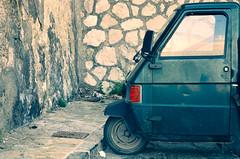 One wheel ! (CJS*64) Tags: massalubrense italy raw crossprocessing travel travelling traveller tourist europe cjs64 craigsunter cjs piaggo