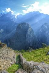 Cuando menos pienses sale el sol (Iván Masip S.) Tags: peru macchupichu nature landscape travel inca