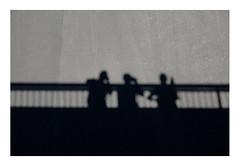 20 [titre les trois mousquetaires] (Armin Fuchs) Tags: arminfuchs anonymousvisitor thomaslistl lavillelaplusdangereuse würzburg bridge shadows lestroismousquetaires fujixt3 stripes friedensbrücke velvia