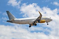 EC-MDZ Airbus A.320-232SL Vueling PMI 28-05-19 (PlanecrazyUK) Tags: lepa sonsantjoanairport aeroportdesonsantjoan palmademallorcaairport