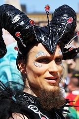 6Q3A1584 – kopio (www.ilkkajukarainen.fi) Tags: samba carnaval suomi finland finlande eu europa scandinavia helsinki portrait face happy life line visit travel travelling potretti muotokuva costum puku fantasy fantasia senaatintori