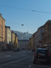 Innsbruck-2018_16 (rhomboederrippel) Tags: rhomboederrippel fujifilm xe1 november 2018 europe austria tyrolia innsbruck alps sunny cloudless citycentre citycenter blue bergisel