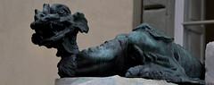 Sculpture de Giovanni Lapi (RarOiseau) Tags: sculpture cortone italie toscane monument