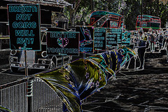 anti-Brexit protests at Westminster (conall..) Tags: brexit antibrexit signs protest westminster london 2019 londoncab londonbus doubledecker nikon afs nikkor f18g lens 50mm prime primelens nikonafsnikkorf18g manipulated manipulatedimage photoshop elements 15 messing abstract weird glowing edges sliderssunday
