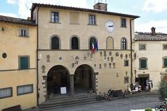 Viele Wappen (grasso.gino) Tags: italien italy italia toskana toscana tuscany chianti nikon d7200 radda house haus wappen
