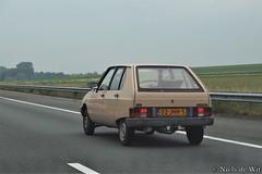 1983 Citroën Visa (NielsdeWit) Tags: nielsdewit car vehicle driving 02jhh5 citroën visa 1983 beige a12 highway snelweg