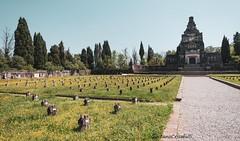Il cimitero (Gaetano Crisafulli) Tags: crespidadda villaggiooperaio archeologiaindustriale storia industrialarcheology
