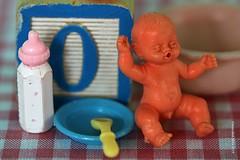 "DOLL HOUSE BABY || POPPENHUISBABY (Anne-Miek Bibbe) Tags: macromondays macro happymacromonday speelgoed toy spielzeug giocattoli juguetes bringuedos jouets ""childhood toys"" childhoodtoys canoneos70d annemiekbibbe bibbe nederland 2019 doll babydoll pop popje plastic babypopje poppenhuis dollhouse"