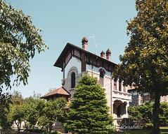 Casa di dirigente (Gaetano Crisafulli) Tags: crespidadda villaggiooperaio archeologiaindustriale storia industrialarcheology