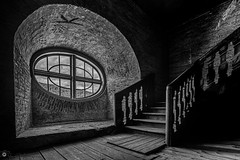 """Oval window • <a style=""""font-size:0.8em;"""" href=""""http://www.flickr.com/photos/126602711@N06/48029531513/"""" target=""""_blank"""">View on Flickr</a>"""