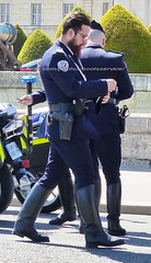 "bootsservice 19 2020861 (bootsservice) Tags: police ""police nationale"" policier policiers policeman policemen officier officer uniforme uniformes uniform uniforms bottes boots ""riding boots"" motard motards motorcyclists motorbiker biker moto motorcycle bmw paris"