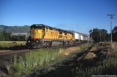 Dashing Dash 8s (jamesbelmont) Tags: unionpacific ge c408 ups zdvro riverton utah intermodal train railroad railway locomotive trailer