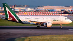 Alitalia Airbus A319-112 EI-IML (StephenG88) Tags: londonheathrowairport heathrow lhr egll 27r 27l 9r 9l boeing airbus may20th2019 20519 myrtleavenue renaissanceheathrow a319 a319100 a319112 eiiml alitalia aza az