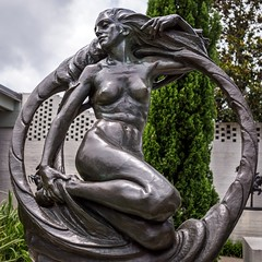 Sacred Guardian (BenBuildsLego) Tags: nebula sculpture statue escultura skulptur sony a6000 brookgreen gardens south carolina myrtle beach museum park bronze nude female woman modern figurative circle round