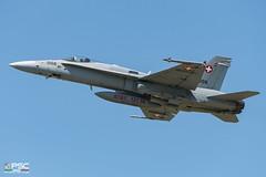 DSC_3586 (conversigphotopress) Tags: takeoff j5006 boeing mcdonnelldouglas hornet fa18c48mc militärflugplatzpayerne schweizerluftwaffe air2030 1329sfc006