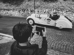 Young photographers! (Riccardo Palazzani - Italy) Tags: brescia mille miglia historical car race italy