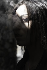 DSC_7963-Modifier (PerceptionPhotoManon) Tags: portrait fumé nature provence brignoles ombres