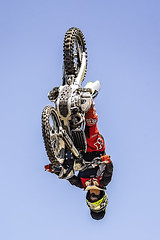 A55T8725 (Nick Kozub) Tags: brett turcotte fmx freestyle motocross demo demonstration airborne altitude kiss sky icarus motorcycle armageddon escape gravity insane cloud day monster energy compound pushpull eos photography f1 canada canon ef usm l 100400 f4556 is