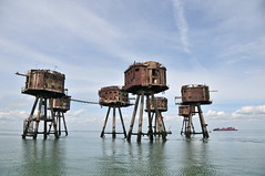 DSC_1549 (Thomas Cogley) Tags: red sands fort maunsell army world war two 2 ii ww2 wwii defence antiaircraft tower metal rust decay river thames sea water old historic project redsand history