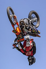 A55T8690 (Nick Kozub) Tags: brett turcotte fmx freestyle motocross demo demonstration airborne altitude kiss sky icarus motorcycle armageddon escape gravity insane cloud day monster energy compound pushpull eos photography f1 canada canon ef usm l 100400 f4556 is