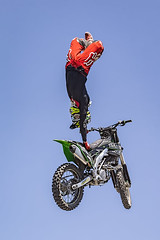 A55T8488 (Nick Kozub) Tags: brett turcotte fmx freestyle motocross demo demonstration airborne altitude kiss sky icarus motorcycle armageddon escape gravity insane cloud day monster energy compound pushpull eos photography f1 canada canon ef usm l 100400 f4556 is