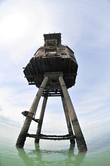 DSC_1616 (Thomas Cogley) Tags: red sands fort maunsell army world war two 2 ii ww2 wwii defence antiaircraft tower metal rust decay river thames sea water old historic project redsand history