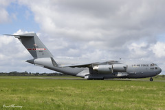 USAF C-17A 01-0189 (birrlad) Tags: shannon snn international airport ireland aircraft aviation airplane airplanes usaf airforce reach boeing c17 c17a globemaster iii taxi taxiway takeoff departing departure runway 010189 memphis