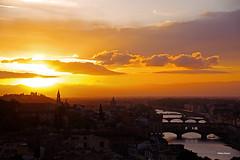 Golden Florence (stefano.chiarato) Tags: firenze piazzalemichelangelo toscana italy golden lights luce tramonto sunset sun panorami paesaggio landscape fiume arno ponti pentax pentaxk70 pentaxlife pentaxflickraward