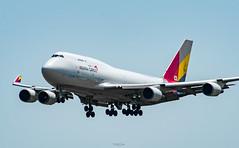 R_DSC_5702 (ViharVonal) Tags: vie loww airplane wien photography photo plane austria nikon tamron