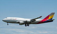 R_DSC_5711 (ViharVonal) Tags: vie loww airplane wien photography photo plane austria nikon tamron