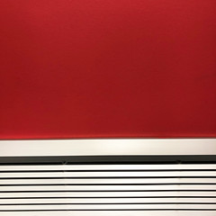 waiting and watching (Rosmarie Voegtli) Tags: airport euroairport abstract waiting lines red white black square geometric rotrossorougerood