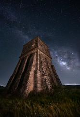 La Pirámide (Chusmaki) Tags: noche via láctea sony guadalajara nocturnas galaxia estrellas ngc