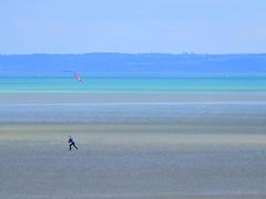 L'envol (afaribault) Tags: mer binic cerf volant silhouette bleus